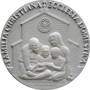 2014-pontificia